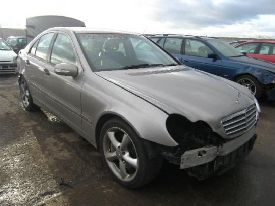 Vindem suport alternator Mercedes C 200