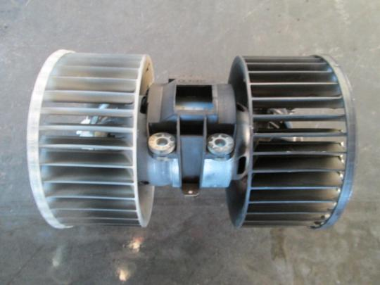 Vindem ventilator Bmw 330 3.0D