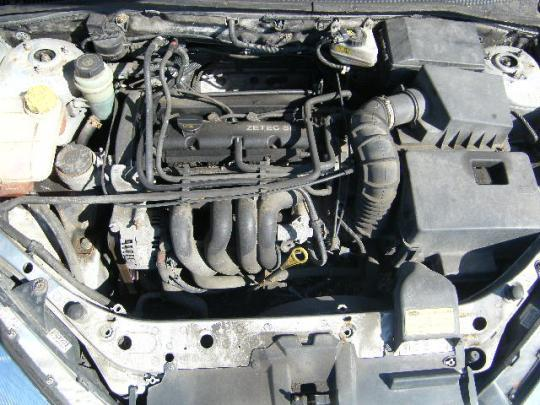 Vindem volanta de Ford Focus 1.6b an 2003