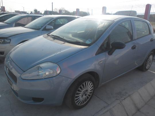 Vindem furtun intercoler Fiat Punto