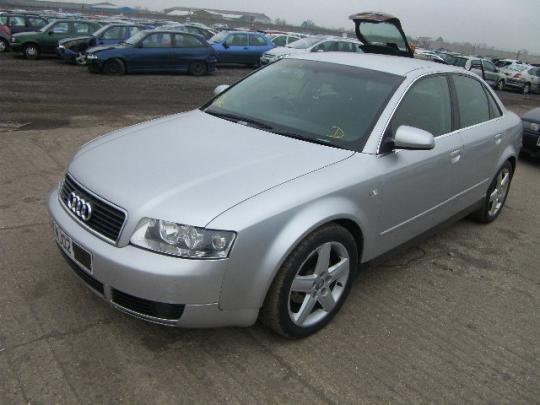 Vindem pompa inalta Audi A4   2000-2004