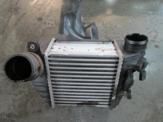 Vindem radiator intercoler Volskwagen Golf IV (1j1) 1997-2005 1j0145803f