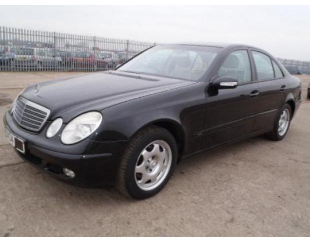 far dreapta mercedes e 200cdi