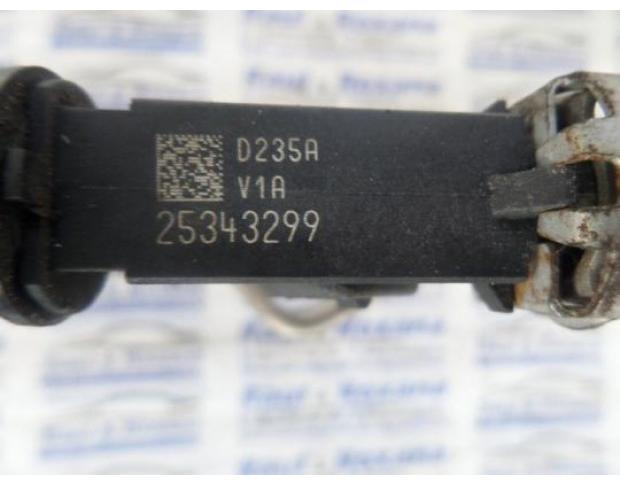 injector opel zafira b 1.6b z16xep 25343299