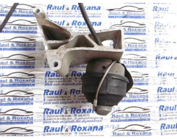 tampon motor volvo s 60 2.4d automat 8683293
