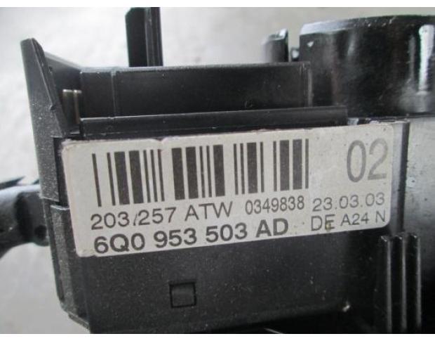 vindem bloc semnalizare cu bord vw polo 1.2 12v cod 6q0953503ad