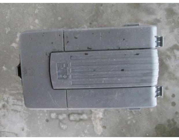 vindem carcasa baterie 1k0915443c vw golf 5 plus 1.9tdi bxe
