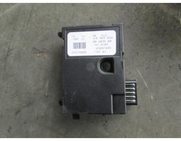 vindem senzor unghi skoda octavia 2 1.9tdi bkc cod 1k0959654